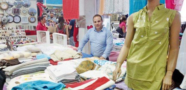 Bakan oğlu sosyete pazarında işportacı oldu