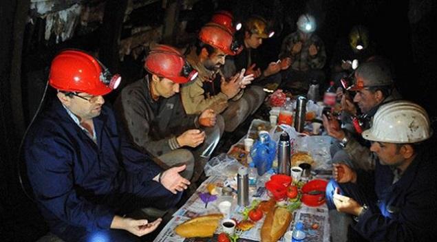 Madenciler İlk Sahurlarını Yaptı