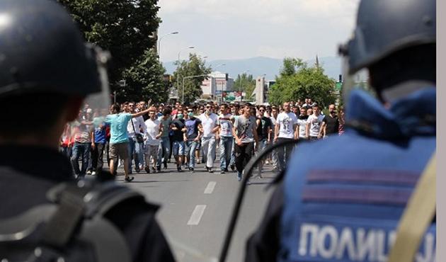 Altı Müslüman gence müebbet Makedonya'yı karıştırdı