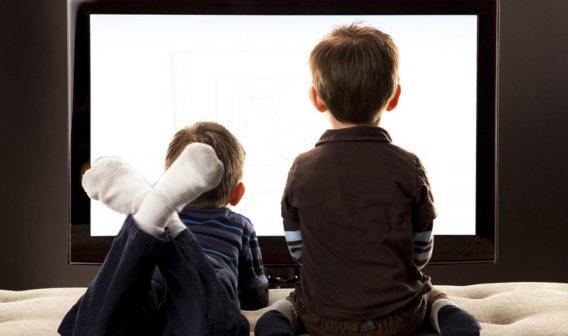 Çocuklarınız TV'ye emanet ya zihin sağlıkları?