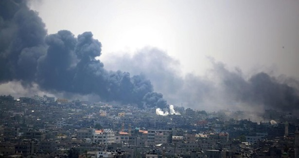 Gazze bombalanıyor Batı Şeria'da direniş var