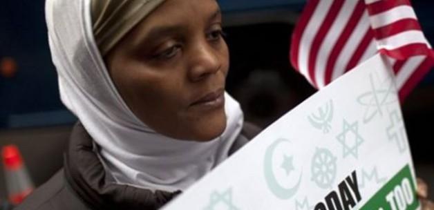 """New York'ta Müslüman evlerine """"nefret"""" broşürü"""