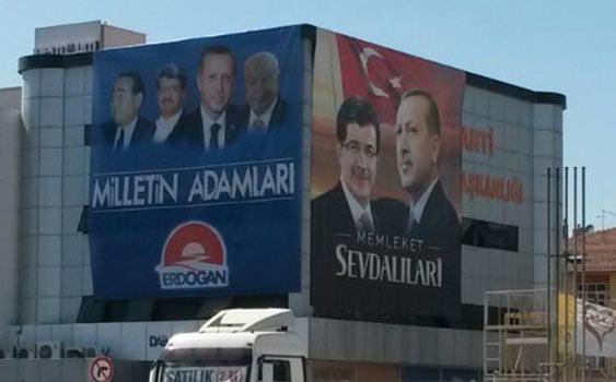 AK Parti'nin pankartına Milli Görüş'ten tepki: İndirin