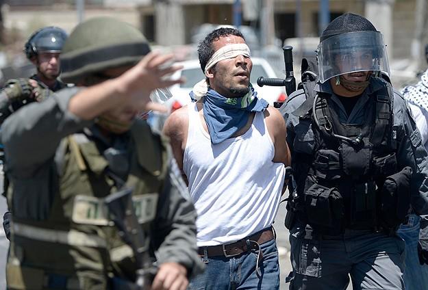 İsrail'den 7 Filistinliye gözaltı