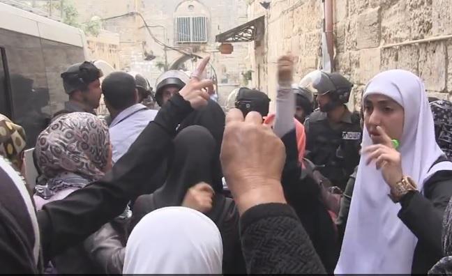 Siyonistler Tekbir Getiren Üç Filistinli'yi Tutukladı