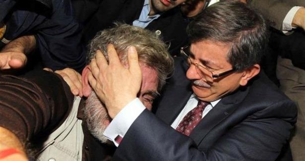 Davutoğlu'nu ağlatan baba konuştu