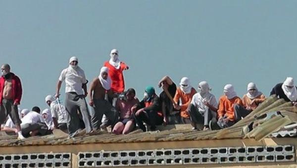 Brezilya'da şok! Kafa kestiler, çatıdan attılar!
