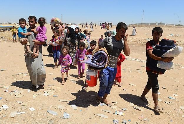 IŞİD'in saldırılarından kaçan Türkmenlere yardım eli