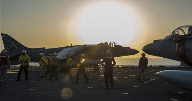 Emperyalist ABD'den Araplarla Birlikte Tekfirci Teröristlere Hava Saldırısı