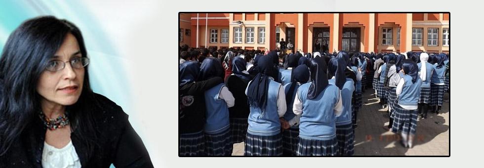 Ayşe Hür: Allah istese kızları örtülü yaratırdı