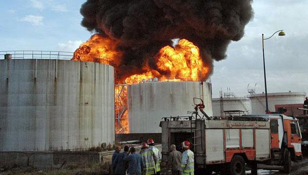 ABD, Suud ve BAE İle Birlikte Petrol Rafinerilerini Vurdu
