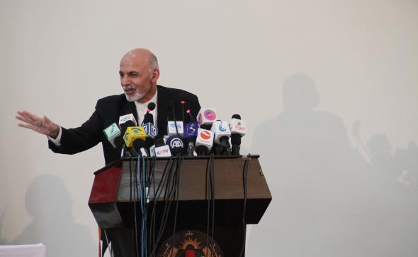 Afganistan'da Ahmedzai devlet başkanlığı görevini devraldı