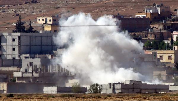 IŞİD, tanklarla Kobani'yi kuşattı