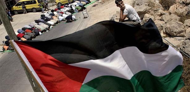 İspanya da Filistin Devletini Tanımaya Hazırlanıyor