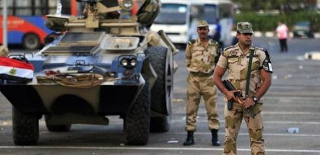 Mısır ordusu Refah Sınır Kapısı'nda tampon bölge oluşturmak amacıyla binaları imha etmeye başladı