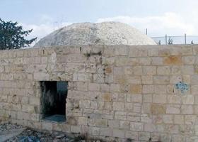 """Siyonist Yerleşimciler """"Yusuf'un Mezarı'""""nı Bastılar"""