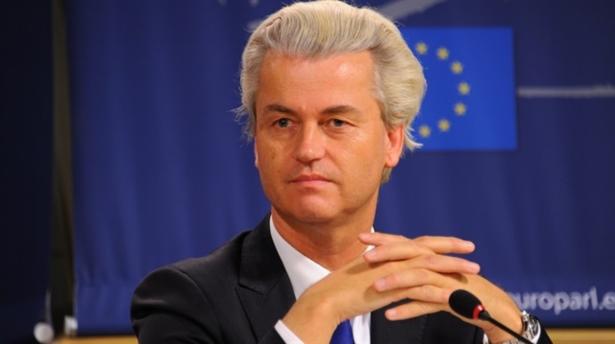Hollanda'da ırkçı parti camilerin kapatılmasını istedi