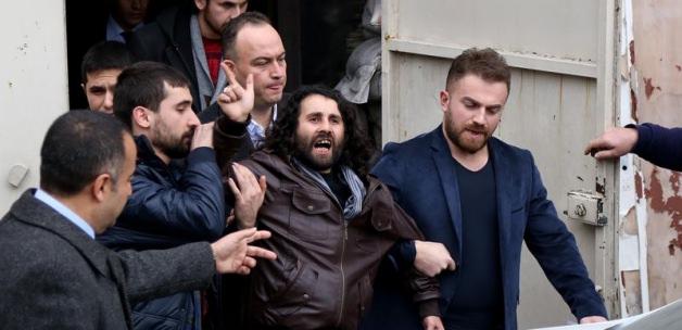 Yakup Köse Gözaltına Alınırken Polisler Bakın Neler Yapmış