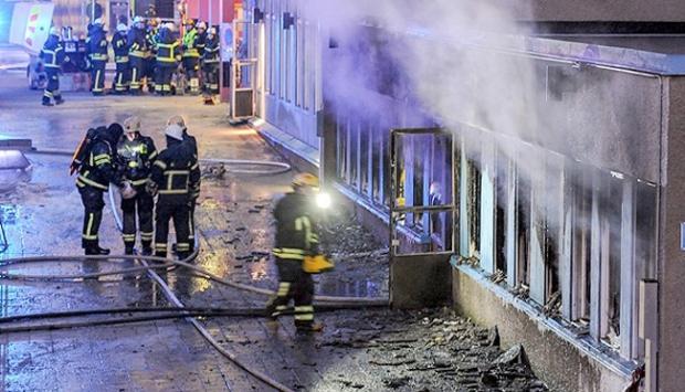 İsveç'te Bir Cami Daha Kundaklandı!
