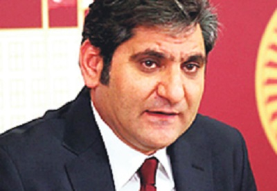 CHP ilçe teşkilatına pankart baskını iddiası