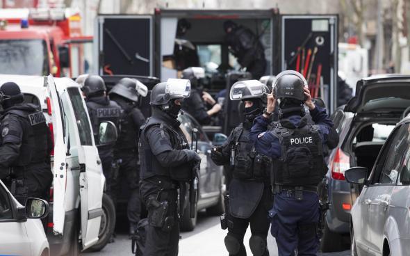 Fransa'da camiye saldıran kişiye hapis