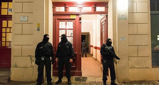 Berlin'de iki Türk Gözaltına Alındı