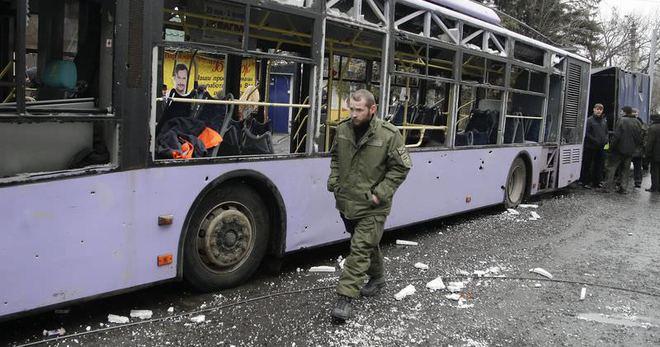 Otobüs Durağına Top Mermisi Düştü: 13 Ölü