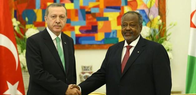 Erdoğan'dan Cibuti'ye Külliye ve Cami Sözü