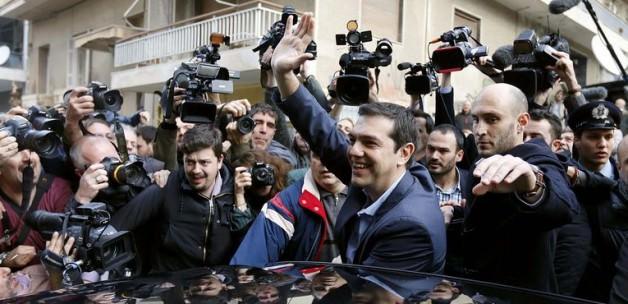 Yunanistan'da Sol Kazandı!