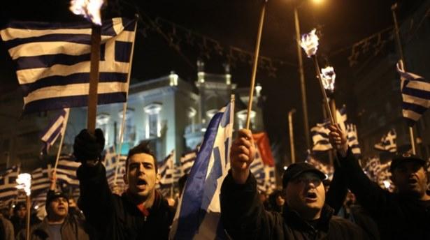 Yunan polisi ilk kez silah taşımadı