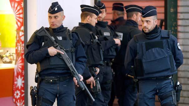 Fransa'da Askere Bıçaklı Saldırı