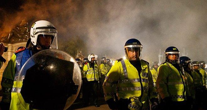 İngiltere'de İslam Karşıtı Gösteri