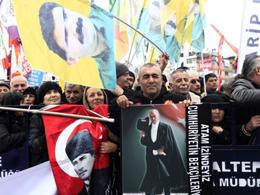 CHP ve PKK'dan 'Laiklik' Birlikteliği