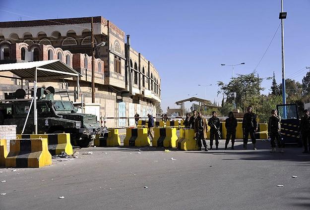 """Yemen'de koalisyon güçleri """"Sınır Tanımayan Doktorlar""""ın bulunduğu kampı bombaladı"""