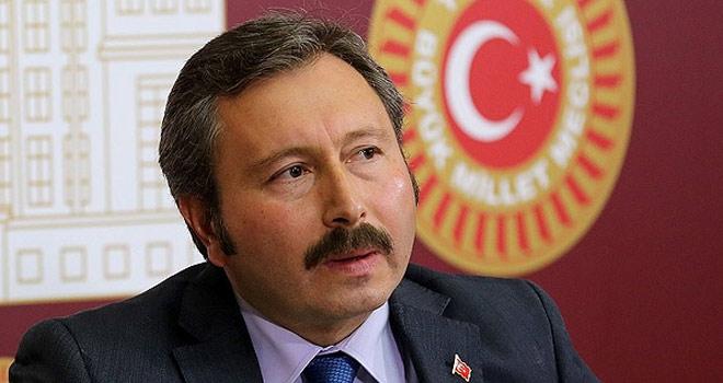 """İdris Bal Partisinin """"Karar Defteri""""ni Kaçırdı"""