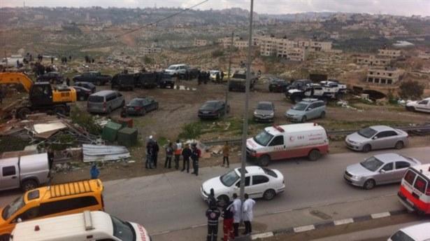 İsrail Filistinlilerin 'Sembolik Köyü'nü Yıktı