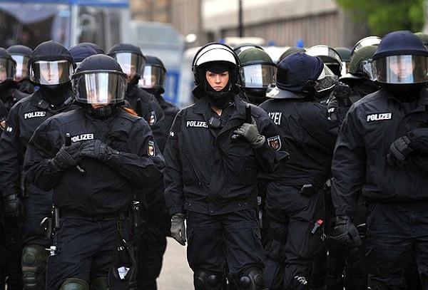 Bremen'de İslam Kültür Merkezine Polis Baskını