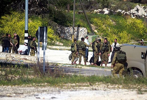 İsrail Filistinli 5 Gazeteciyi Gözaltına Aldı