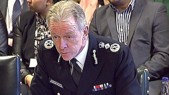 Londra Polisinden Özür