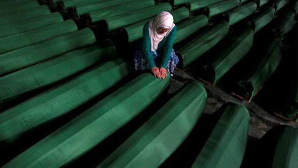 Srebrenitsa Katliamı'nda 7 Tutuklama