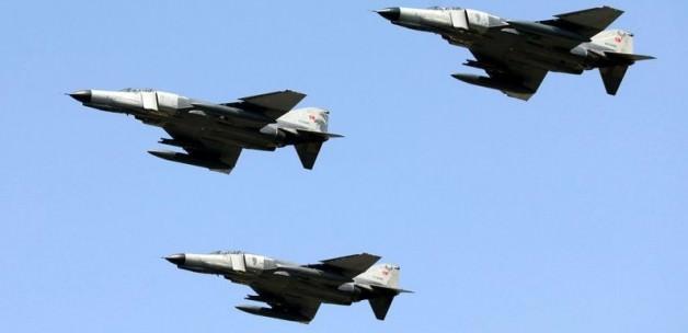 İsrail Uçakları Libya'yı Vurdu