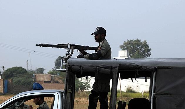 Keşmir'de çatışma: En az 6 ölü
