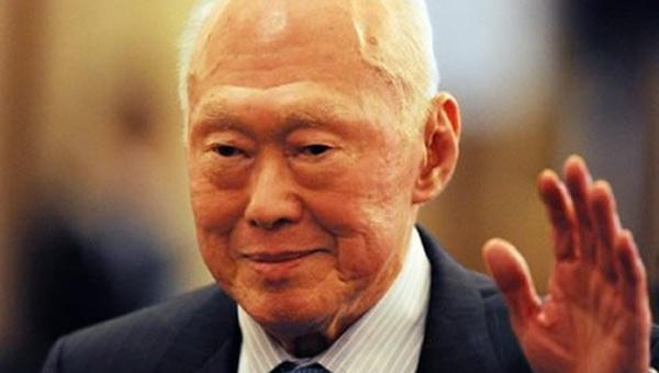 Singapur'un Kurucusu Öldü