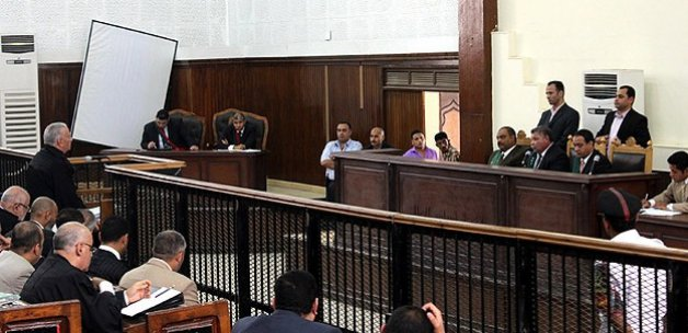 Mısır'da Darbe Karşıtı 17 KişiyeHapis Cezası Verildi