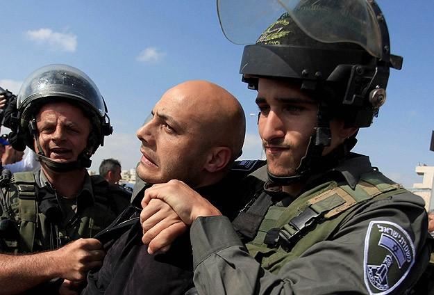 Doğu Kudüs'te 2 Filistinli Gözaltına Alındı