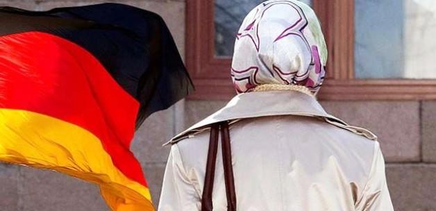 Almanlar'dan Başörtüsü Kararı
