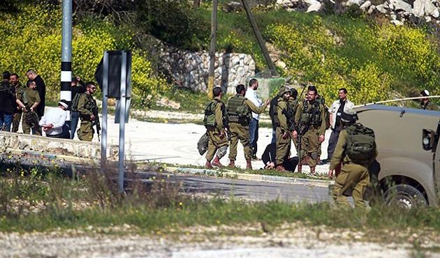 İsrail askerleri Filistinli Genci Şehid Etti
