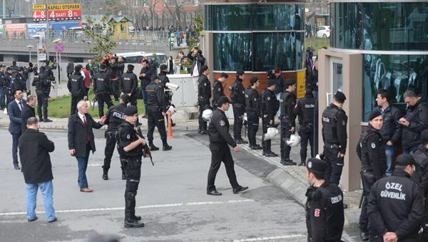 Polis Aylar Öncesinden İstanbul Barosunu Uyarmış