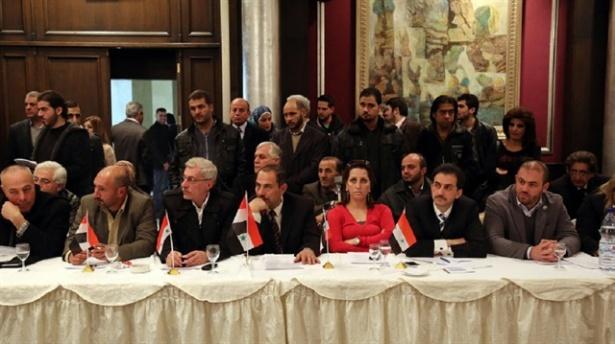 Suriye Rejimi  İle Muhalifler Moskova'da Görüşüyor