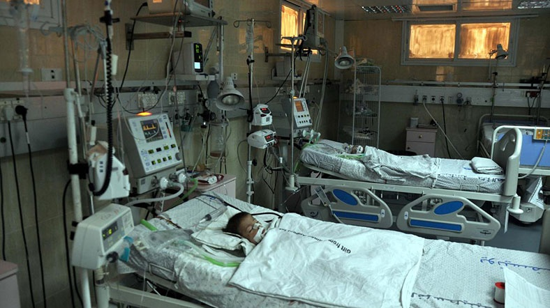 Gazze'de  Hastaneye Sevki Yapılmayan  Bebek Şehid Oldu